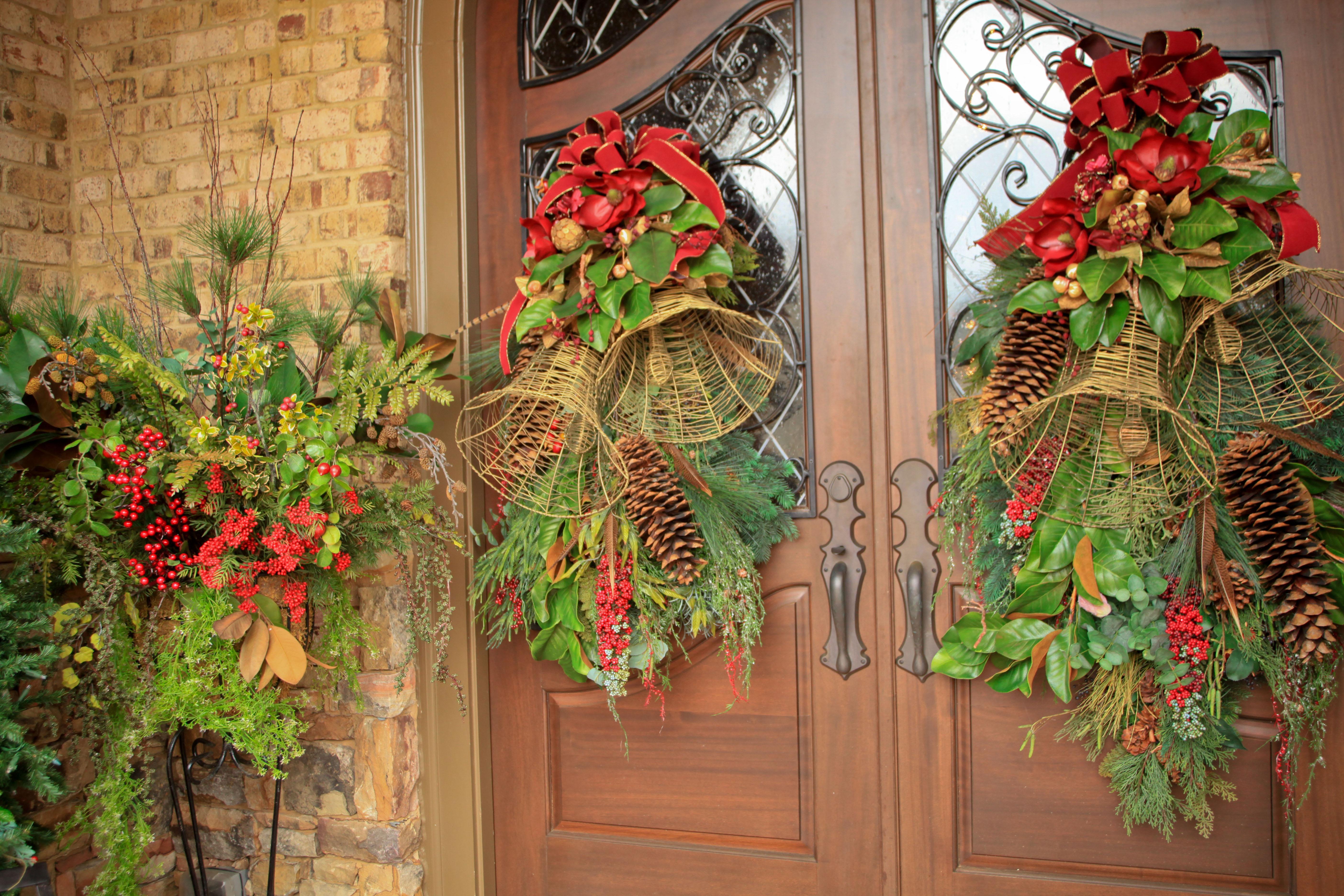 The graceful gardener christmas garden for Flat outdoor christmas decorations